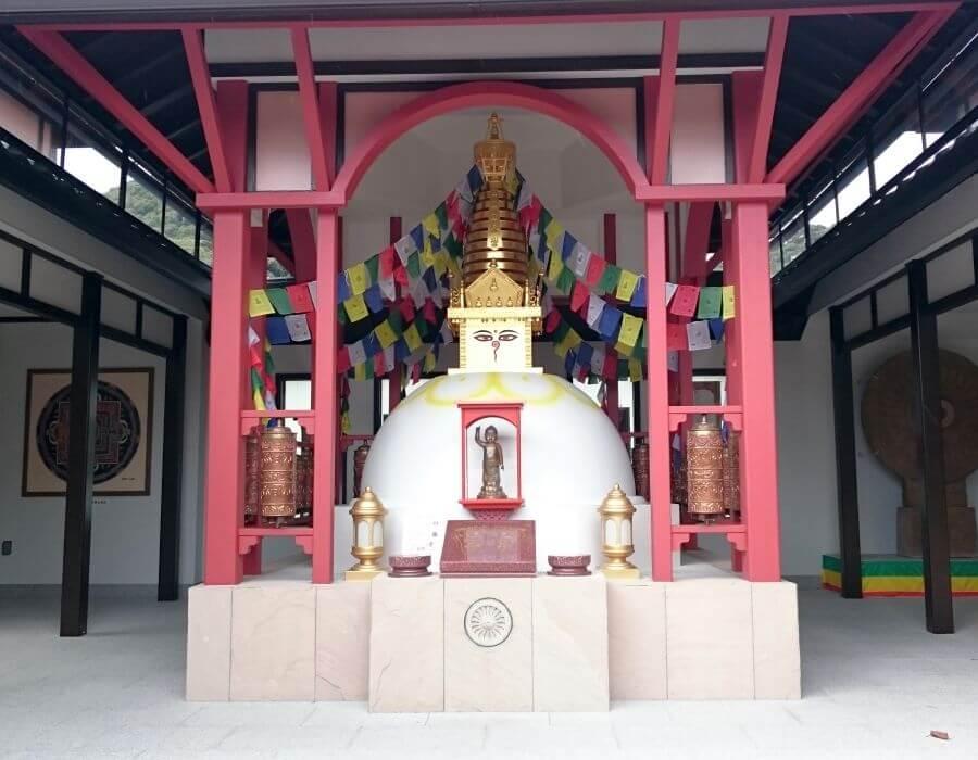 亜細亜万神殿 ストゥーパ