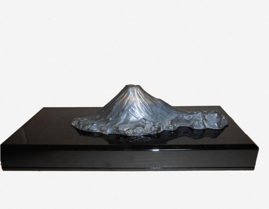 銅器(富士山置物)