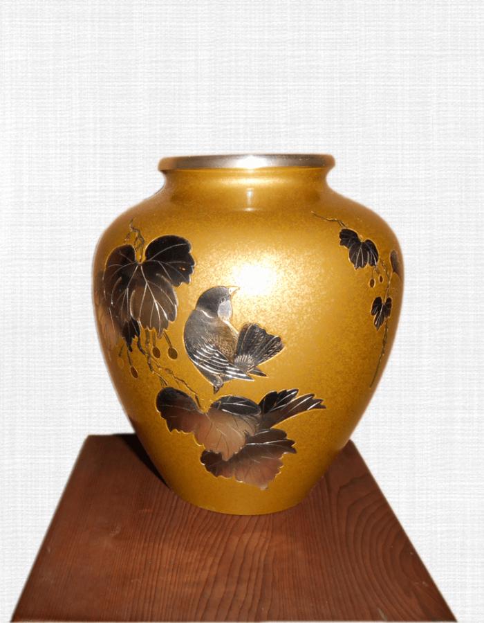 銅花活け(花鳥図)