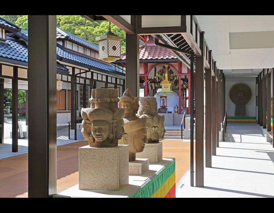 亜細亜万神殿 内景色2